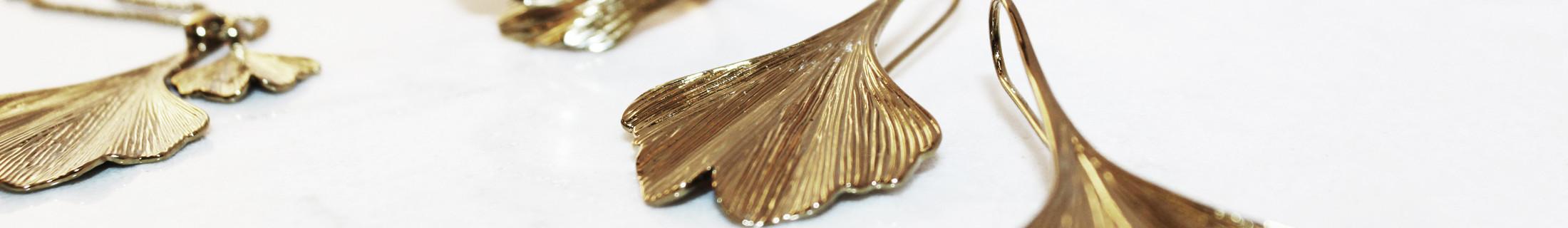 Smycken från kända varumärken  f3a8bb7ebf964